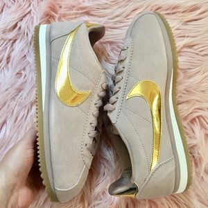 New Nike Women's Classic Cortez Special Edition
